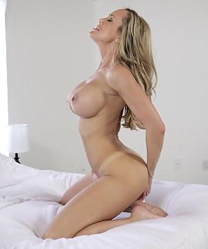 Free Moms Pornstar Porn Pictures