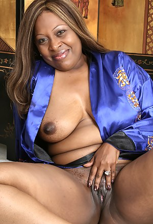 Free Black Moms Pussy Porn Pictures