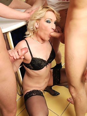 Free Moms Gangbang Porn Pictures