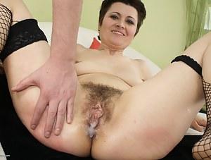 Free Cum in Moms Pussy Porn Pictures