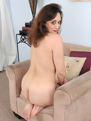 Free Moms on Knees Porn Pictures
