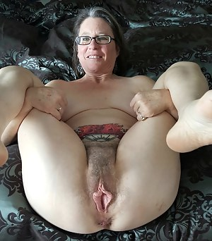 Free Big Pussy Moms Porn Pictures